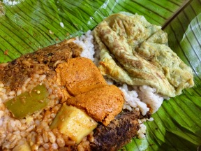 Chammanthi, Fried Fish, Pickle, Kanava Thoran and the Omlette